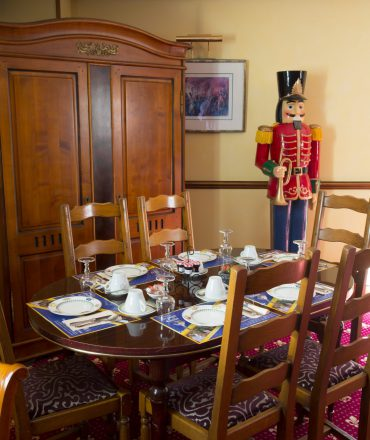 Table petit-déjeuner, hôtel la Grange de Condé près de Metz