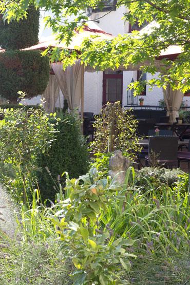 Terrasses et jardins de l'hôtel-restaurant de la Grange de Condé en Moselle